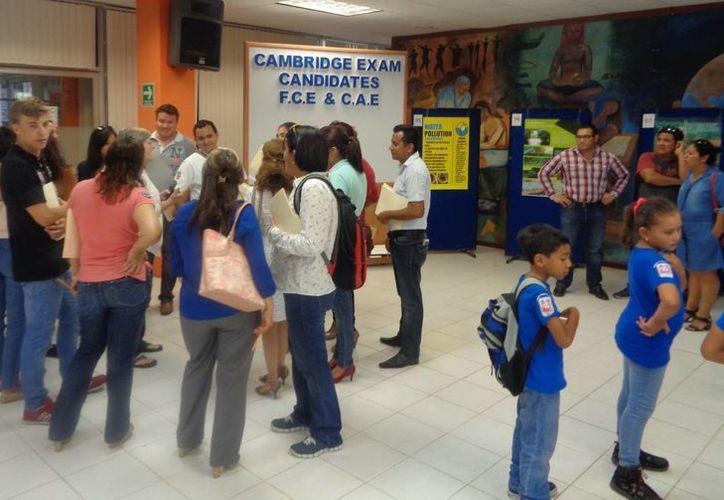 Estudiantes de primaria y secundaria practicaron su inglés con proyectos de ciencia, en el Instituto Tecnológico de Chetumal. (Ángel Castilla/SIPSE)