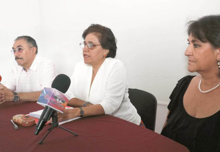 Integrantes de la Asociación de Egresados de la UNAM en Yucatán. (José Acosta)