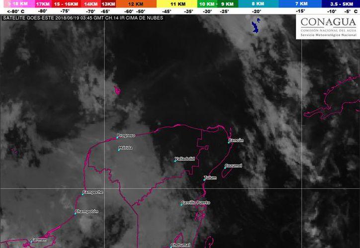La Conagua pronostica una jornada nublada con lluvias aisladas. (Conagua)