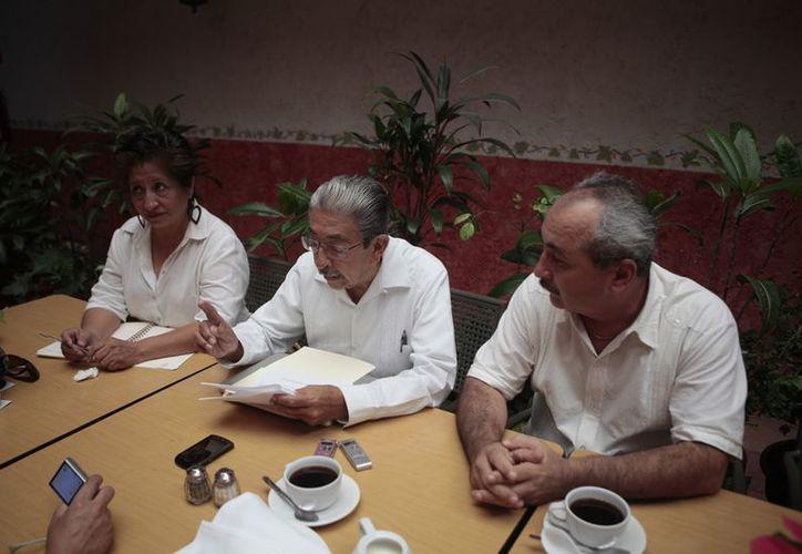Los representantes de la Red durante una entrevista. (Víctor Ruiz/SIPSE)