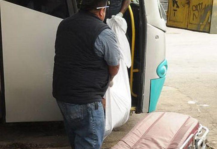 Un hombre sufrió un infarto fulminante, que le arrebató la vida de manera instantánea, en la autopista Mérida-Cancún, cuando viajaba rumbo a Quintana Roo. (Milenio Novedades)