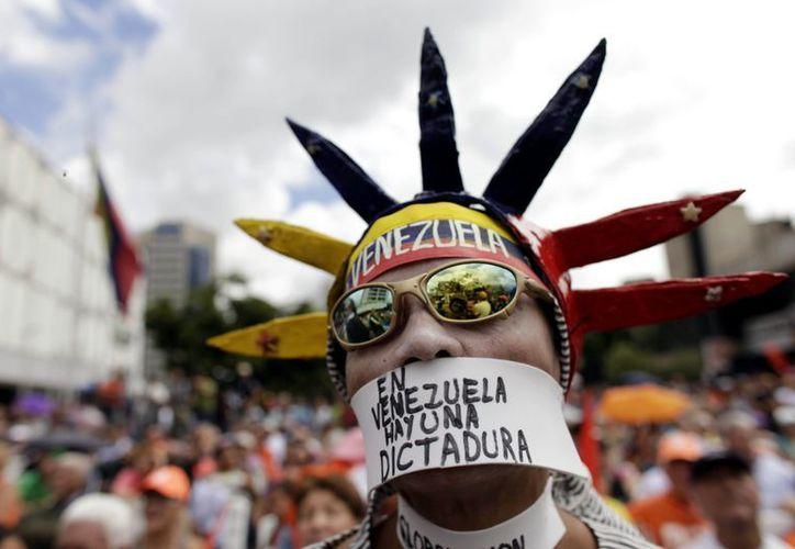 La opinión venezolana respecto a la salud de Chávez se encuentra polarizada. (Agencias)