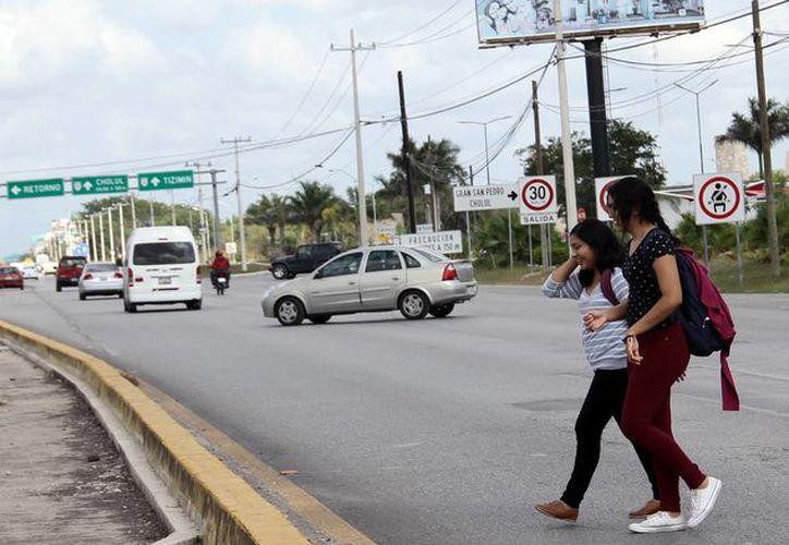 Van por Paso Superior Vehicular para mejorar la circulación en la zona. (Milenio Novedades)