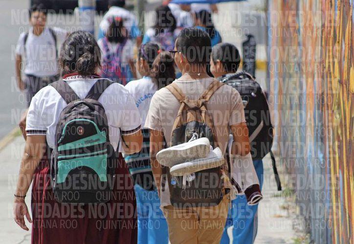 Muchos estudiantes abandonan estudios por falta de espacios en preparatoria. (Jesús Tijerina/SIPSE)