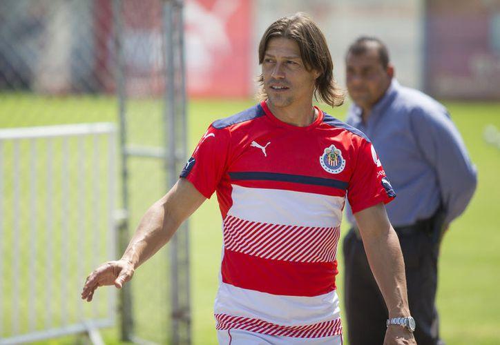 A pesar de todos los rumores sobre la salida de Almeyda, técnico argentino, anunciaron que el 'Pelado' seguirá en el rebaño. (Vanguardia MX)