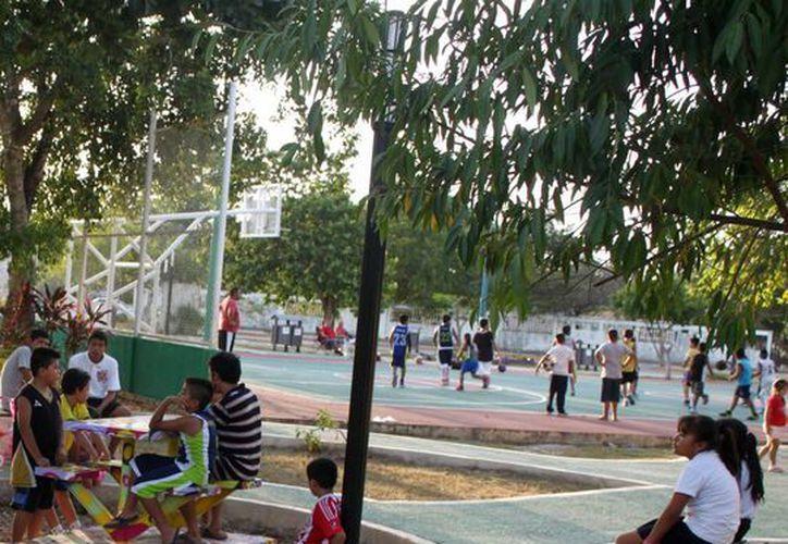 Los alumnos asistirán a diferentes instalaciones deportivas fuera del salón de clases. (Igor Cabrera/SIPSE)