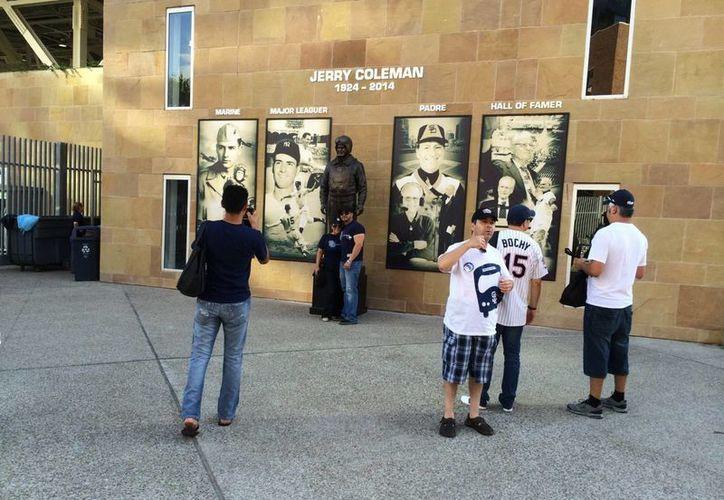 Vista parcialo de estadio de Padres de San Diego, que esta vez tomó en cuenta de manera muy especial a los aficionados mexicanos. (Foto de archivo de Notimex)