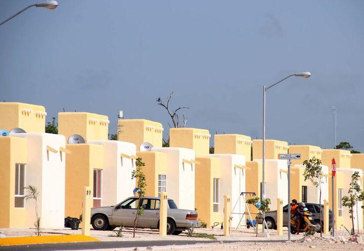 Las viviendas de interés social no pagarán el nuevo impuesto aprobado por el Congreso de Quintana Roo recientemente. (Luis Soto/SIPSE)