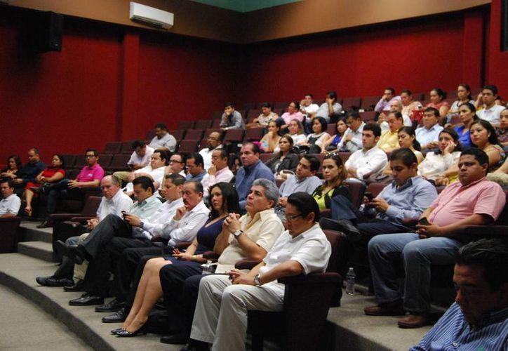 Las nuevas facultades del INE se deberán afrontar junto con los institutos y tribunales. (Harold Alcocer/SIPSE)