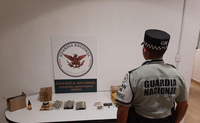 Parte de los decomisos que ayer realizó la Guardia Nacional. (Novedades Yucatán)