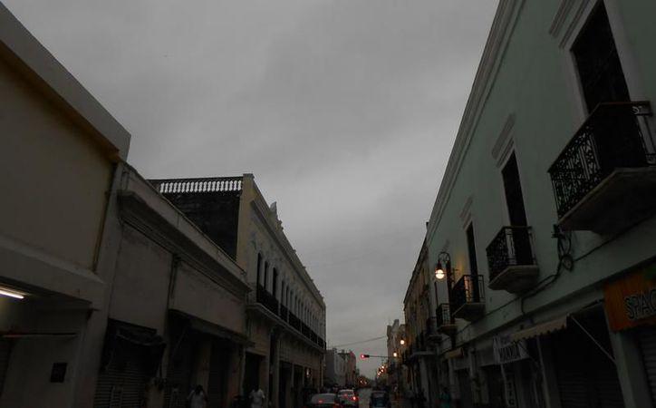 La entrada de aire marítimo tropical a la región ocasionará un cielo nublado a medio nublado en la Península de Yucatán. (Eduardo Vargas/SIPSE)