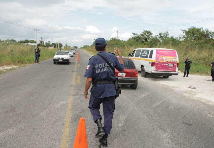 El pasado sábado se registraron dos llamados de emergencia, a los cuales un policía llegó caminando y otro en bicicleta, ante la falta de patrullas. (Edgardo Rodríguez/SIPSE)
