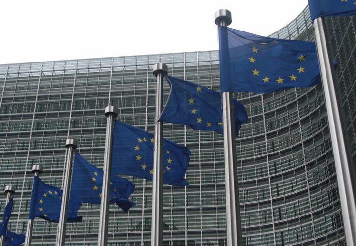 La Unión Europea prepara sanciones económicas más fuertes contra Rusia, ya que aseguran que no cumple con las demandas de ayuda para poner fin a la crisis de ayuda a Ucrania. (lajeunepolitique.com)