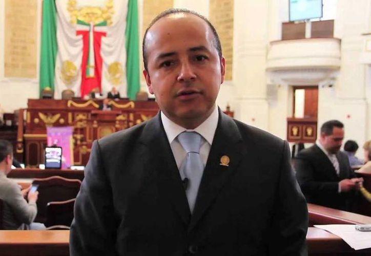 El diputado capitalino Édgar Borja, quien finalmente fue sacado del PAN,  culpó a integrantes de su partido de buscar 'denostarlo'. (YouTube)