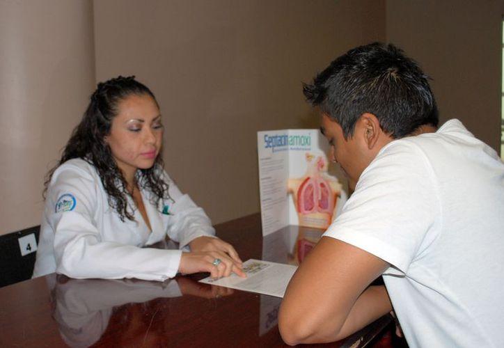En el tema de planificación familiar, estarán ofertando 100 vasectomías únicamente los días 29 y 30 de este mes. (Tomás Álvarez/SIPSE)