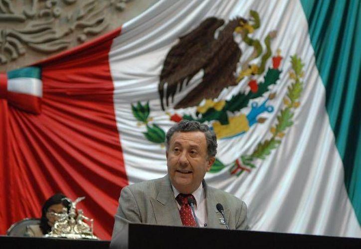 El diputado José Francisco Coronato ante la tribuna en San Lázaro. (diputadosenmovimiento.org)