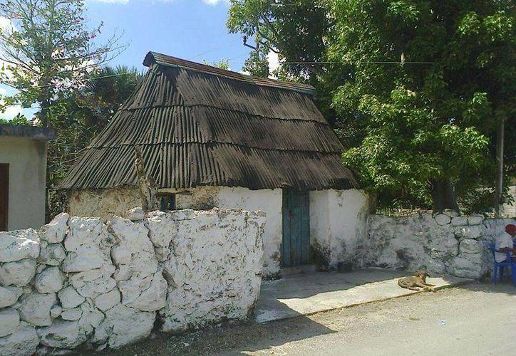 Así se encuentra actualmente la casa en donde ocurrió el incendio hace 57 años. (Jorge Moreno/SIPSE)