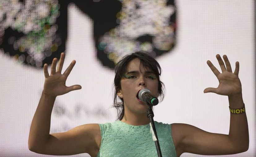 La chilena Camila Moreno cautivó al público en la jornada del viernes del Festival Vive Latino 2014. (Agencias)