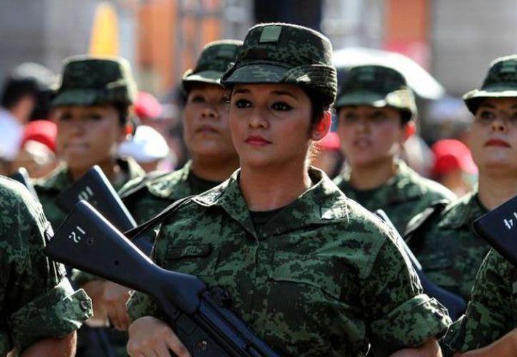 Tras la buena aceptación a la convocatoria por parte de las yucatecas, integrantes de la 32 zona militar esperan abrir nuevas vacantes en 2018. (SIPSE)