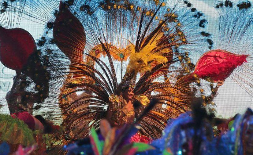 No se suspenderán las clases por los festejos del carnaval en la isla Cozumel. (Gustavo Villegas/SIPSE)