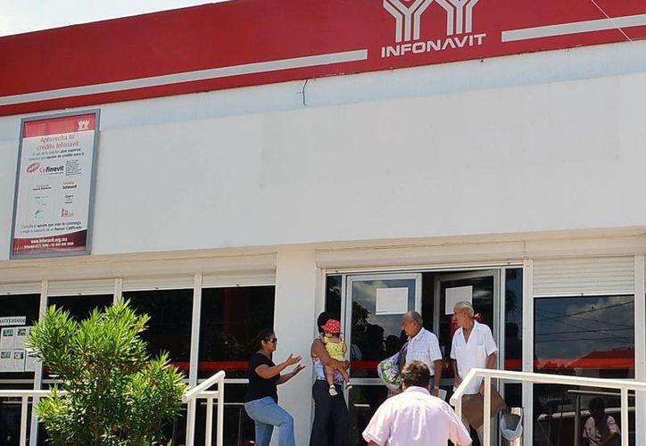 Algunos créditos de Infonavit resultan impagables. Imagen de las oficinas de la dependencia en el poniente de la ciudad. (Milenio Novedades)