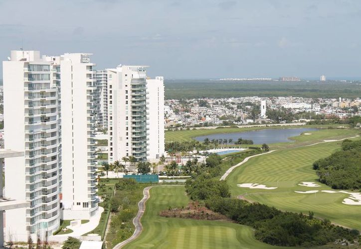 Prevén la construcción de dos torres residenciales  y mil departamentos. (Israel Leal/SIPSE)
