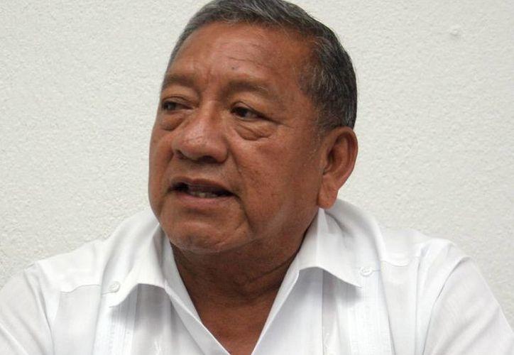 El secretario de Obras Públicas, Daniel Quintal Ic, calculó que hasta 2015 se terminaría la modernización de la carretera Mérida-Chetumal. (SIPSE)