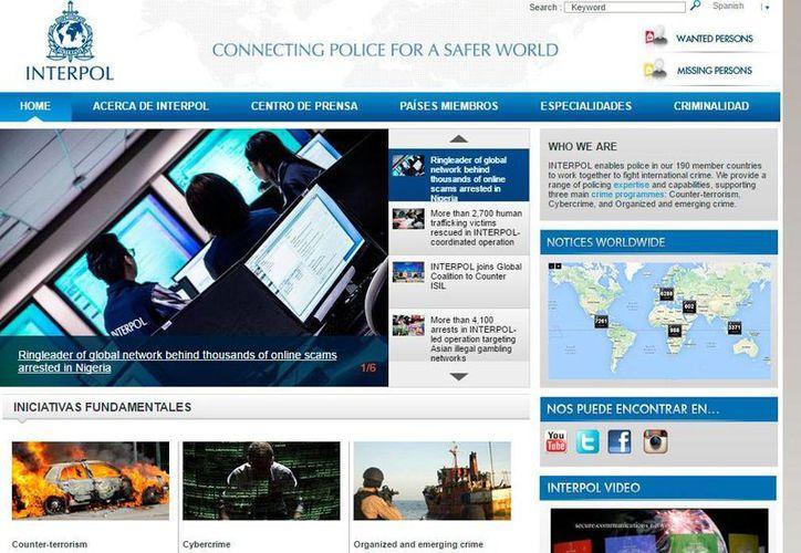 """Captura de pantalla del sitio web de la Interpol, en donde informa de la captura de """"Mike"""", presunto líder de una red mundial de estafadores en Internet. (www.interpol.int)"""