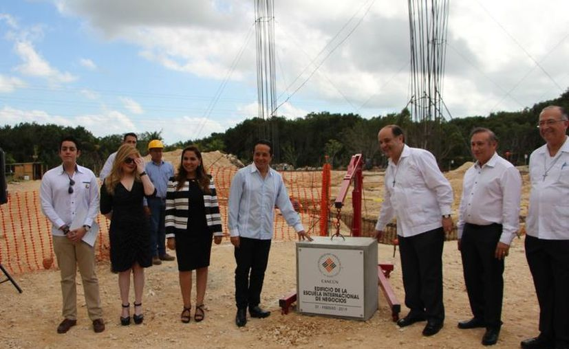 Se colocó la primera piedra de una obra en la Anáhuac. (Paola Chiomante/SIPSE)