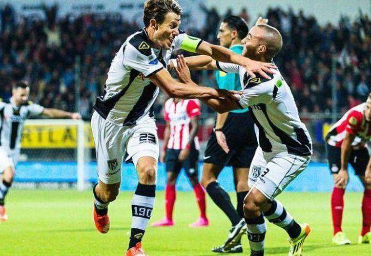 El Heracles continúa con su buena racha en la Eredivisie y esta vez derrotó al campeón PSV por marcador de 2-1 en partido donde el mexicano Héctor Moreno jugó los 90 minutos. (EFE)