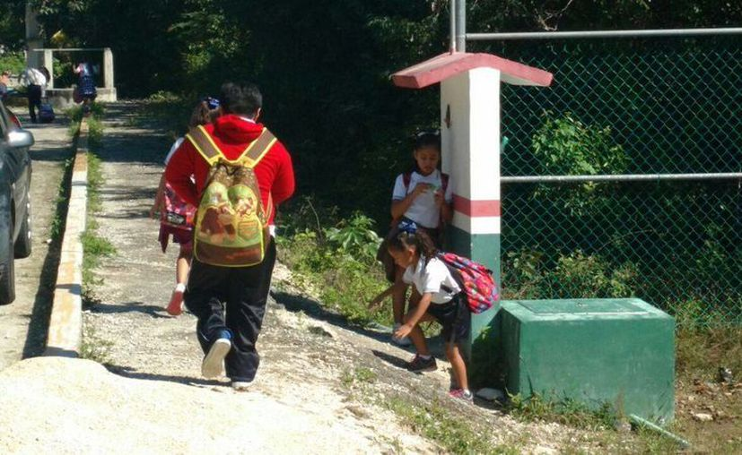 Alumnos de 21 planteles educativos retornaron a la escuela el 2 de enero. (Irving Canul/ SIPSE)