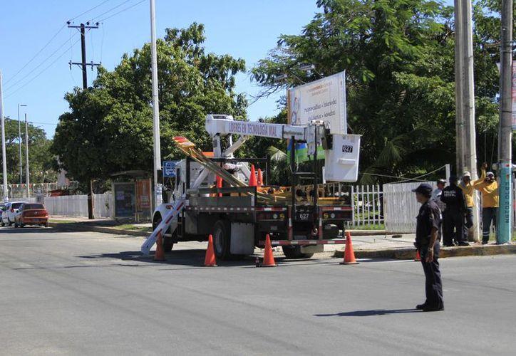 Los semáforos inteligentes serán instalados en puntos conflictivos de la ciudad. (Harold Alcocer/SIPSE)