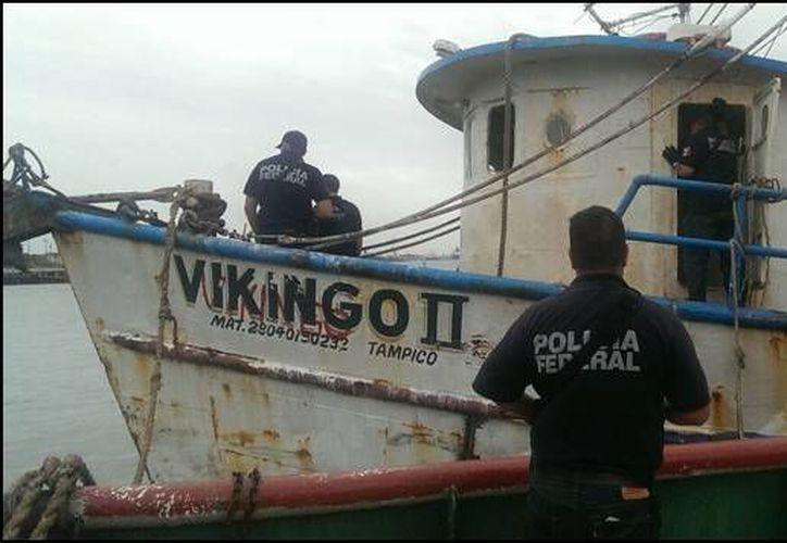 En el aseguramiento del barco, en el puerto de Coatzacoalcos, fueron detenidas cuatro personas. (radioformula.com)