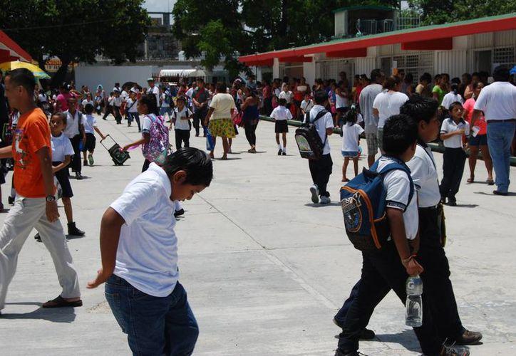 Existen en el estado 230 mil 278 alumnos de educación básica. (Hugo Zúñiga/SIPSE)