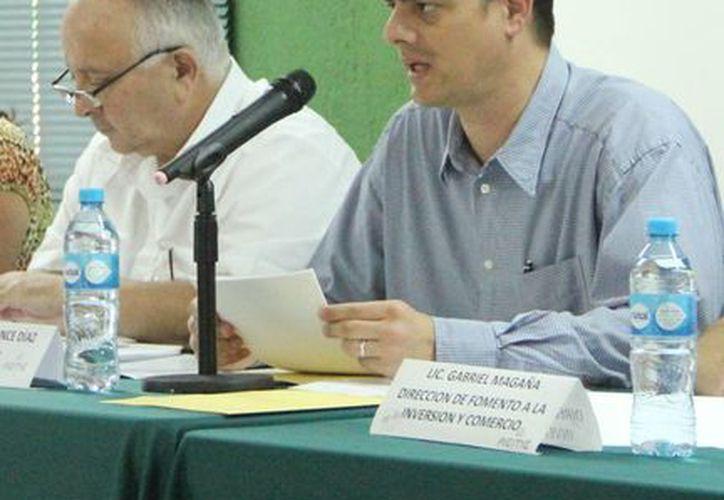 Roberto Ponce Díaz destacó la importancia del evento ya que permitirá la exportación e importación de productos elaborados en España, Estados Unidos, Venezuela y México. (Milenio Novedades)