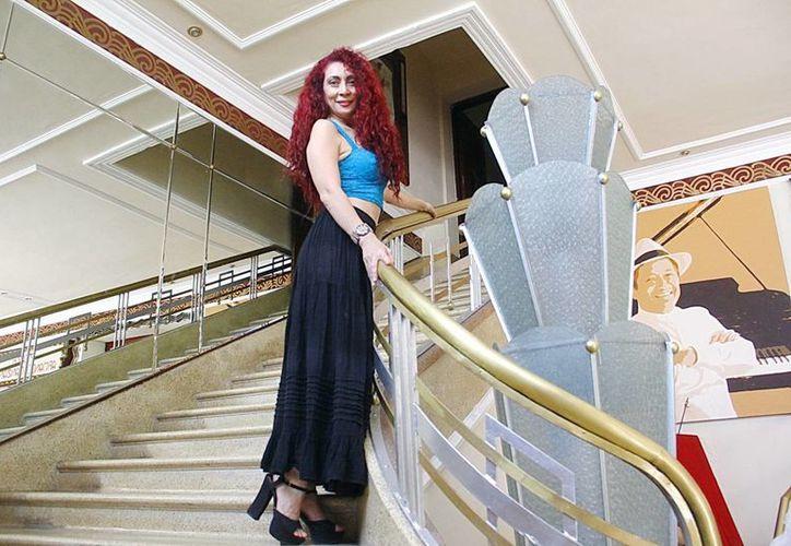 Rocío Guarneros, quien cuenta con una trayectoria de 15 años sobre los escenarios. (Juan Albornoz/SIPSE)