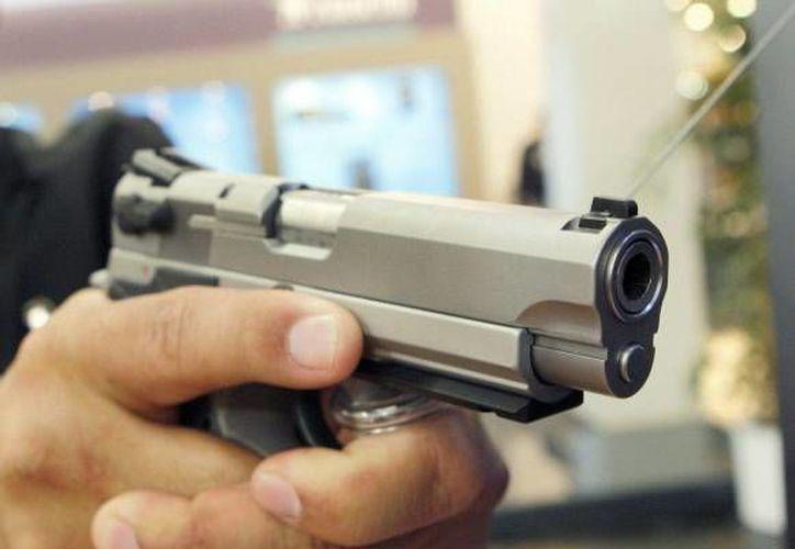 Momentos de terror vivieron los empleados y clientes de un banco en Torreón al ser víctimas de un asalto armado. (SIPSE/Foto de contexto)