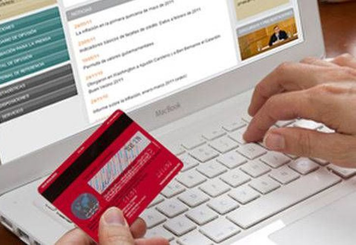 Banxico: a partir del tercer trimestre de 2014, los bancos ampliarán horarios y reducirán cobro de comisiones para efectuar transferencias bancarias a través de dispositivos móviles. (Milenio)