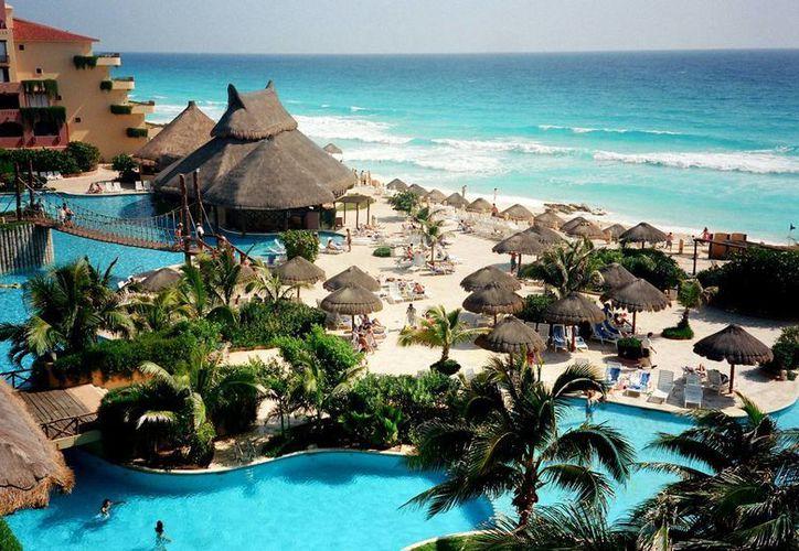 El Hotel One es el séptimo centro de hospedaje, que el Grupo Posadas opera en Cancún. (Israel Leal/SIPSE)