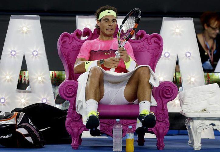 Rafael Nadal tambipen sostuvo partidos amistosos con los Omar Jasika y Mark Philippoussis. (AP)