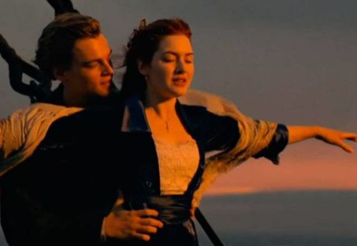 Escena del video original de la canción 'My heart will go on', tema central de la película 'Titanic'. El autor de la canción, James Horner, falleció este martes. (YouTube/Welcome to the Titanic Memorial Channel)