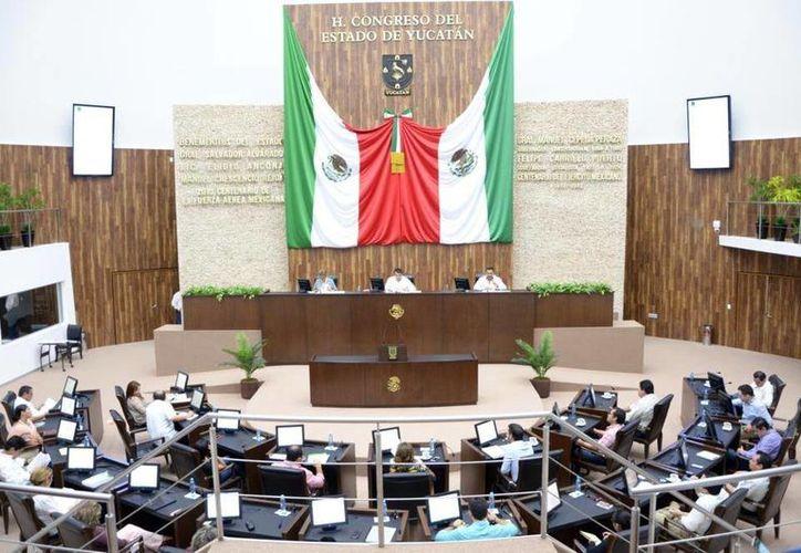 Se requerirá del aval de la mayoría calificada de 17 diputados para autorizar créditos. (Milenio Novedades)