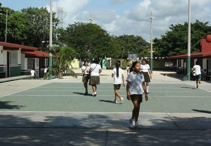El seguro cubre la jornada diaria de los estudiantes. (Alida Martínez/SIPSE)