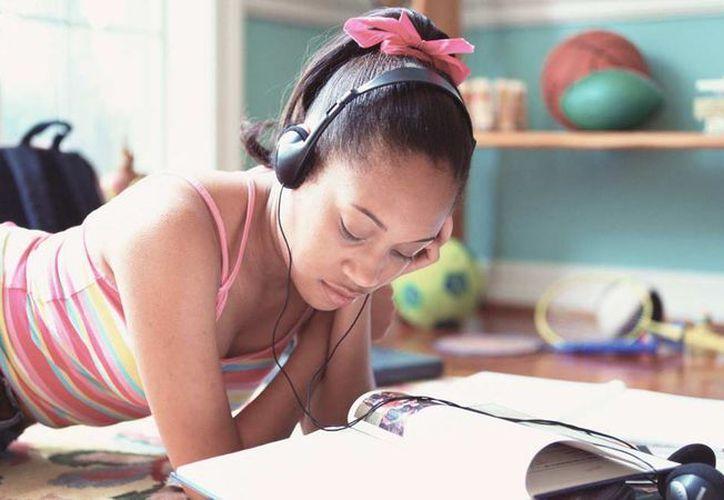 Dos tercios de adolescentes dijeron que escuchaban música todos los días. (understood.org)