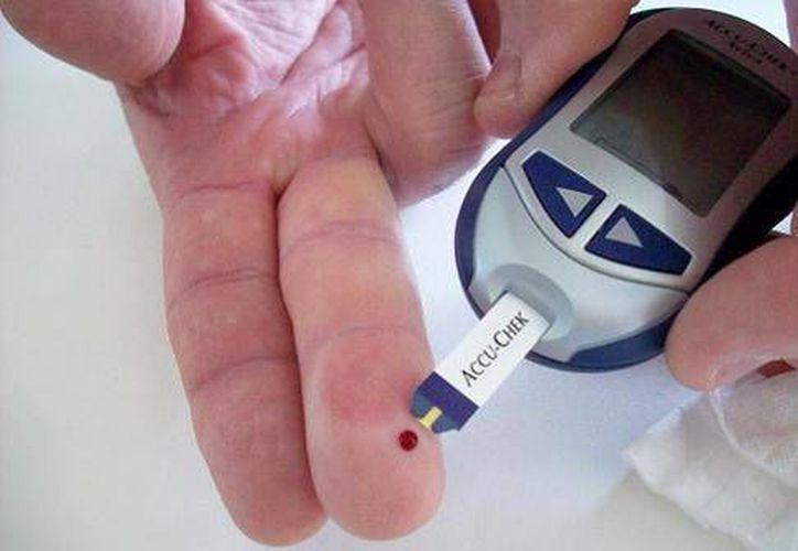 Hoy en día hay muchos tratamientos para controlar la diabetes así como nutriólogos en todas las unidades de salud para atender a los diabéticos. (SIPSE)