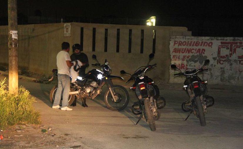Un taxista fue despojado de su unidad por un pasajero, en la colonia Santa Cecilia de Cancún. (Redacción/SIPSE)