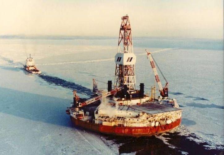 Una compañía petrolera de Texas pretende construir una isla de grava como plataforma para la extracción de crudo con cinco o más pozos a 9.5 kilómetros del litoral en el mar de Beaufort, Estados Unidos. (Imagen tomada de pulsoslp.com)