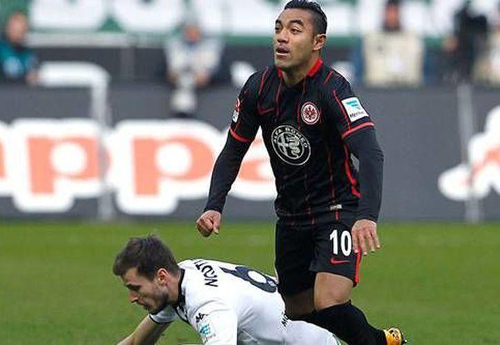 Con la victoria, el Eintracht Frankfurt de Marco Fabián subió a la tercera posición de la Bundesliga Alemana.(Foto tomada de Twitter/Eintracht Frankfurt)