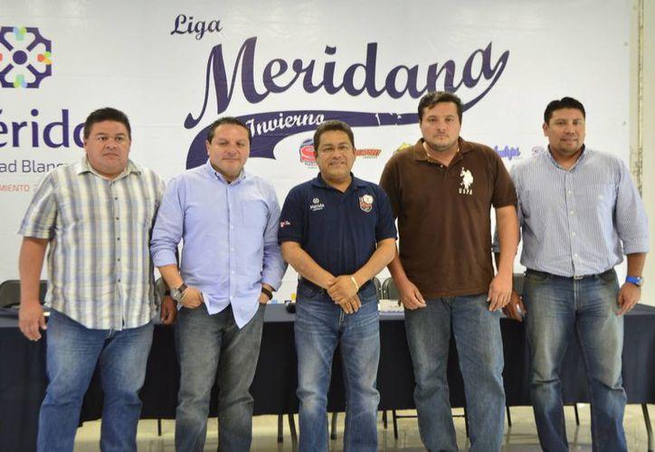 El campo <i>Manuel Loría Rivero</i>, de Pacabtún, sera la sede del Juego de Estrellas 2015-2016 de la Liga Meridana de Invierno de Beisbol, donde se enfrentarán la Zona Poniente <i>Gustavo Ricalde Durán</i> y la Zona Oriente <i>Plinio Escalante Bolio</i> (SIPSE)