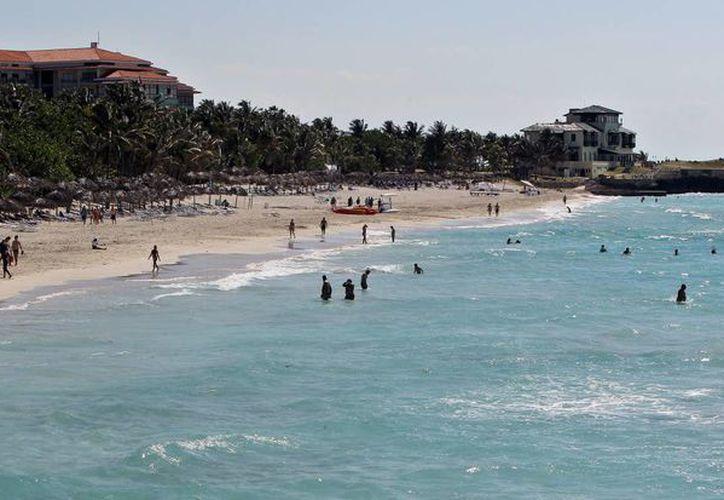 El deshielo entre Cuba y Estados Unidos han incentivado el interés de turistas extranjeros, así como de la comunidad LGBTI, de visitar la paradisiaca isla. (EFE)